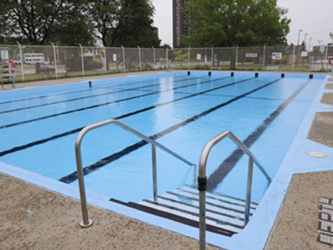 west mall outdoor pool