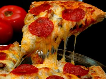 Drunk man nabbed after stealing pizza