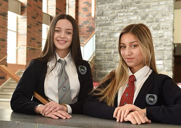 Country Day School Students off to Oxford U