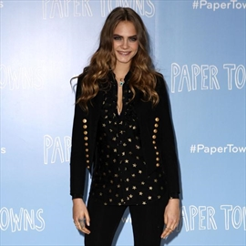 Cara Delevingne credits Kate Moss for 'saving' her-Image1