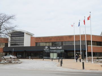 Oakville council takes step towards creation of Municipal Development Corporation