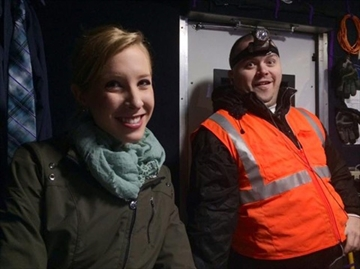 Service pays tribute to slain television reporter, cameraman-Image1