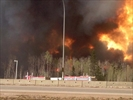 Almost 30,000  ordered to flee Fort McMurray fire-Image1