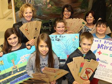 LCBO patrons get lesson from Wasaga Beach students