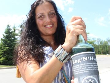 Wasaga woman launches reusuable water bottle campaign