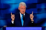 Clinton roles reversed: Now Bill backstops her-Image1