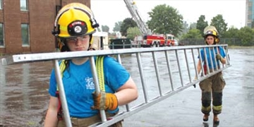 Young women learn firefighting ropes– Image 1
