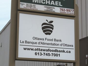 Ottawa Food Bank weathers donation slump