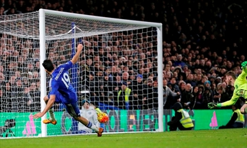 Fallen powers Chelsea, Man United draw; Arsenal rises to 3rd-Image3