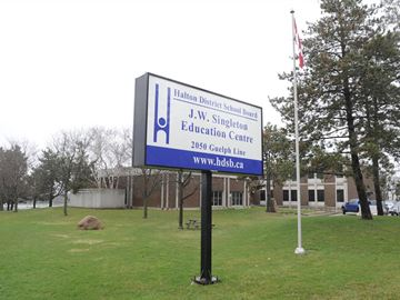 Halton high school teachers, board reach tentative local deal