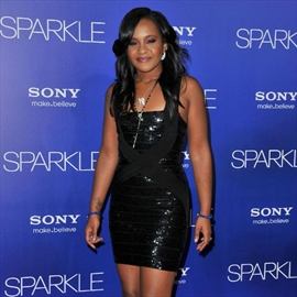 Bobbi Kristina Brown's cousin barred from burial?-Image1