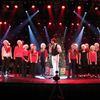 Deerhurst Resort's Decades cast hosts Huntsville Public School Choir