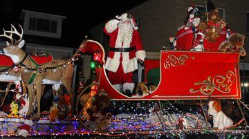 Santa arrives in Kingston