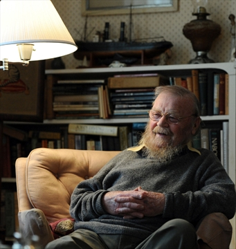 """farley mowat essay A review of the book """"never cry wolf"""" by farley mowat about experiences during two years spent as a biologist studying a family of wolves in northern canada for."""