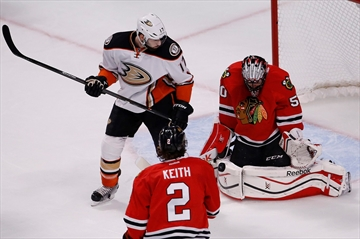 Blackhawks beat Ducks 5-2 to force Game 7 in West finals-Image1