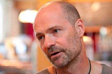 Gord Downie determined to 'blow people's minds' on tour-Image1