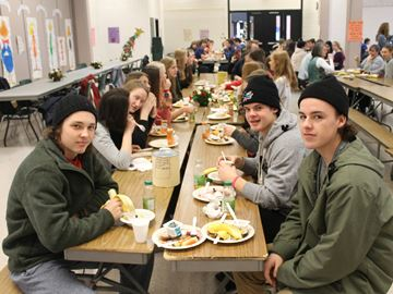 Meaford high school hosts Christmas breakfast