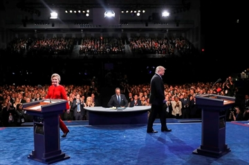 10 memorable moments from Clinton-Trump debate-Image1