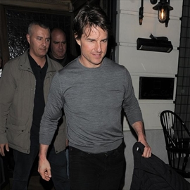 Tom Cruise wanted to see fireworks-Image1