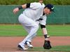 Majors lose in extra inning to trail 3-2 in series
