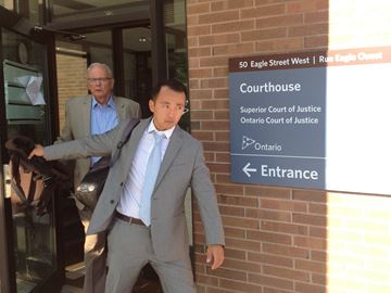 Const. von Seefried leave courtroom in the lead up to his sex assault trial testimony
