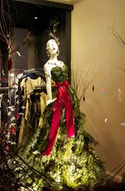 Downtown Oakville boutique displays natural Christmas window dressing