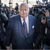 Mike Duffy swarmed by media as he arrives for trial