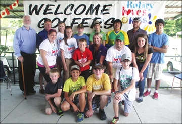 Kids learn to golf as part of Rotary Loves Kids fund-raiser– Image 1