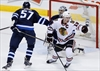Toews scores late as Blackhawks top Jets-Image1