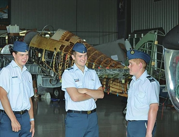 Air cadets meet Canadian astronaut– Image 1