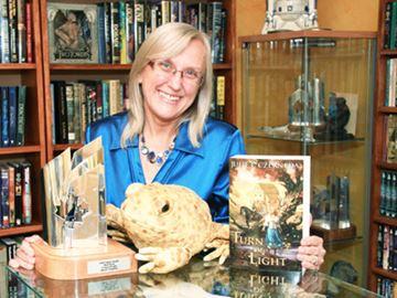 Severn author wins award
