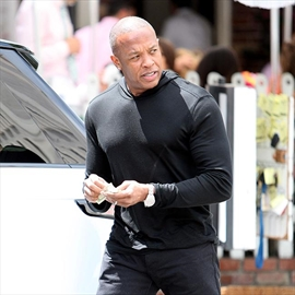 Dr. Dre hosting new radio show-Image1
