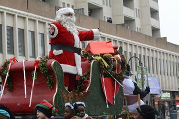 Santa Claus arrives during the Weston Santa Claus Parade Sunday afternoon. (Dec. 1, 2013)