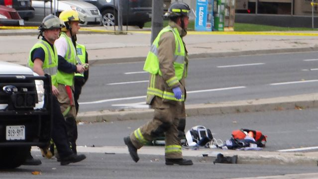 Pedestrian struck at Hurontario and Robert Speck