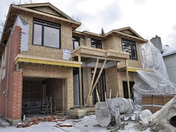 Burbs getting denser, but lighter on retail mix: report