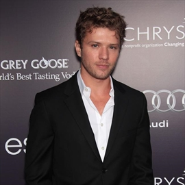 Ryan Phillippe's daughter embarrassed-Image1