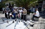Greece: Poll shows 2 sides neck and neck before referendum-Image1
