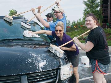 Great Wolf Lodge charity car wash