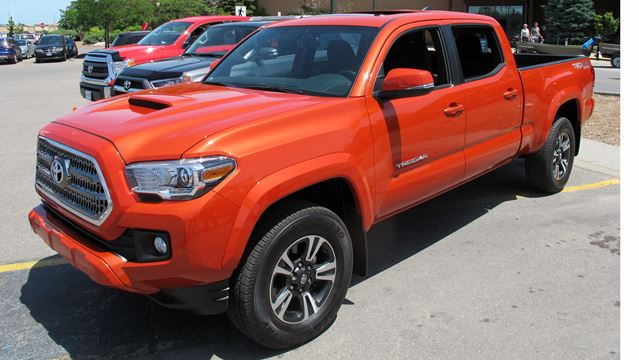 Toyota Offers Canadians Advance Look At 2016 Pickup
