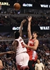 Career nights for Saric, Long lift 76ers past Bulls, 117-107-Image7