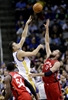 Barboza, Thompson lead Warriors past Raptors 95-87-Image1