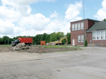 Portables demolished at Cartwright High School