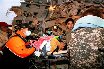 Strong quake hits Taiwan, killing 3; 221 rescued from rubble-Image9