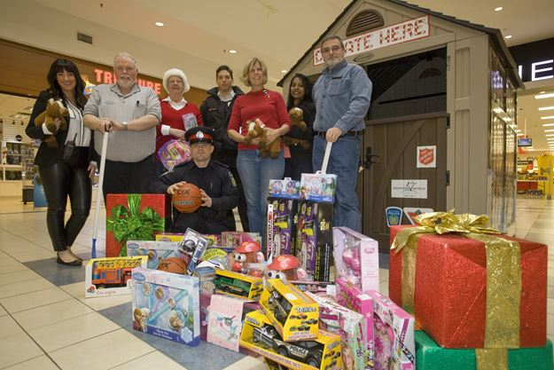 Police Toys For Tots 2017 : Ways to celebrate giving tuesday in peel mississauga