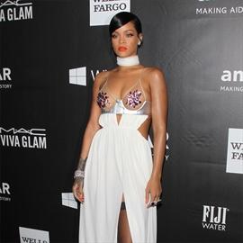 Rihanna splashes out $135,000 at amfAR Gala-Image1
