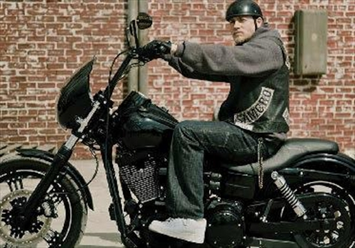 Sons Of Anarchy Star Charlie Hunnam To Visit Hawkesbury Harley Dealership Sept 14 Cast Members To Join Him For Scenic Fall Ride Next Day Insideottawavalley Com