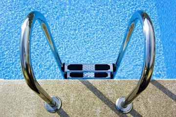 POOL SAFETY WARNING