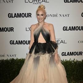 Gwen Stefani joins Blake Shelton on stage-Image1