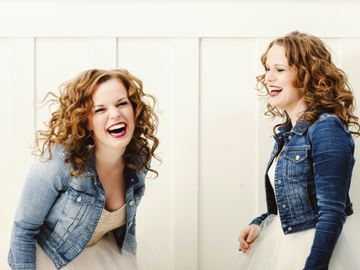 Twins set for Songwriter Series show in Barrie