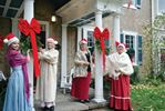 Nelles Manor offering Christmas tours